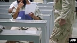 Гуантанамо түрмөсүнүн туткуну сабакта. 30-март, 2010