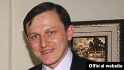 """Далер Амонов, учредитель ТРК """"Ватан"""" и компании """"Арзон-мобайл"""""""