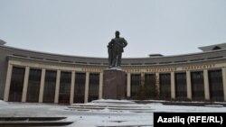 Татар композиторы Салих Сәйдәш һәйкәле