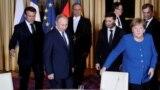 Зліва направо: президент Франції Емманюель Макрон, президент Росії Володимир Путін, президент України Володимир Зеленський та канцлер Німеччини Анґела Меркель, Париж, Франція, 9 грудня 2019 року