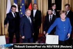 رهبران هر چهار کشور در پاریس (از راست: مرکل، زلنسکی، پوتین و مکرون) توافق کردهاند که در همین قالب، طی چهار ماه آینده، دیدار تازه کنند.
