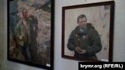 Портреты «ополченца» Николая (слева) и убитого главы «ДНР» Захарченко, Севастополь, 15 сентября 2019 года