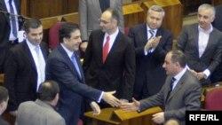 Президент Грузии Михаил Саакашвили в парламенте 26 февраля