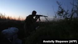 Український військовий біля Маріуполя, червень 2018 року