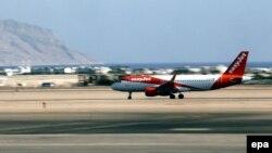 Самолет EasyJet (архивное фото)