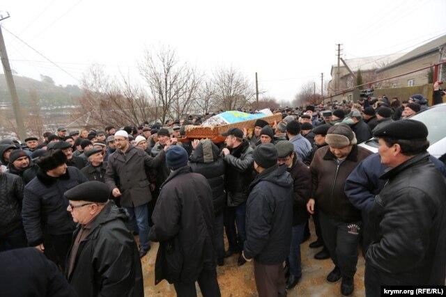 У Криму попрощалися з відомим лікарем і делегатом Курултаю Ісою Джемілєвим