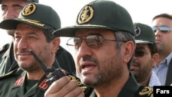 Iranian Islamic Revolutionary Guards Corps chief General Mohammad Ali Jafari (right)
