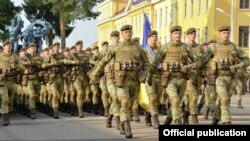 Poroshenko painted a hopeful portrait of a nation with an army that has grown stronger over the course of the war against the Russia-backed separatists.