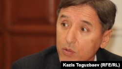 """Болат Абилов, председатель оппозиционной партии """"Азат"""". Алматы, 13 декабря 2012 года."""