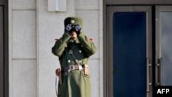 Севернокорејски војник.