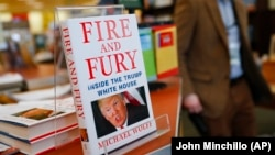 """Knjiga """"Vatra i bijes - Unutar Trumpove Bijele kuće"""""""
