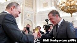 Ресей президенті Владимир Путин және үкімет басшысы Дмитрий Медведев
