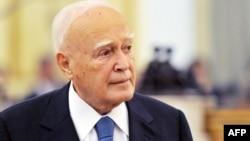 Каролос Папуљас