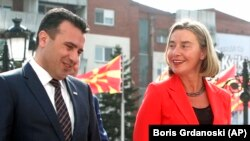 Pohvale Brisela za Skoplje (makedonski premijer Zoran Zaev i šefica diplomatije EU Federika Mogerini)
