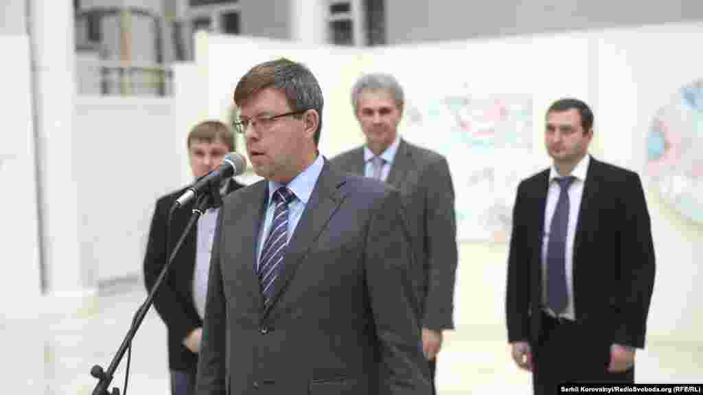 У церемонії відкриття скульптури взяли участь представники державних органів України та Литви. Своєю промовою свято відкрив посол Литви в Україні Марюс Януконис.