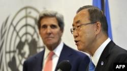 Ban Ki-moon (djathtas) dhe John Kerry në selinë e Kombeve të Bashkuara