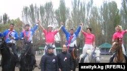 Кыргызстандык жана франциялык хорсболчулар. 2011-жыл.