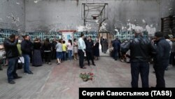 Вахта памяти по жертвам теракта в школе №1