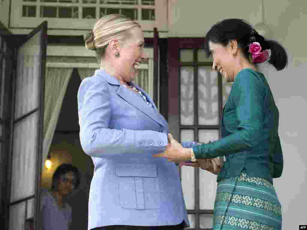 Хиллари Клинтон с лидером бирманской оппозиции