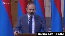 Премьер-министр Армении Никол Пашинян выступает на праздновании Дня независимости в резиденции премьер-министра на Баграмяна 26, Ереван, 21 сентября 2018 г.
