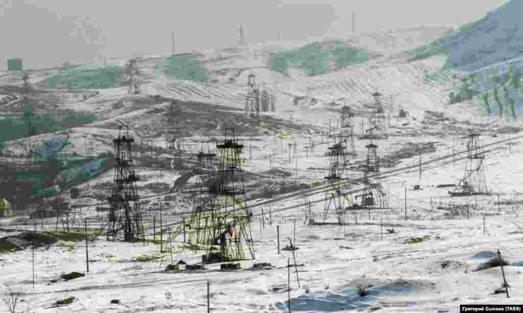 Oil fields in Chechnya, which is one of several oil-producing regions in Russia and has a pipeline running across its territory. The Russian military was reportedly involved in profiteering from Chechnya's oil wealth throughout the 1990s.
