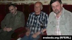 Паэт і ягоныя перакладчыкі: Адам Паморскі, Алесь Разанаў, Ян Максімюк. Уроцлаў, чэрвень 2007