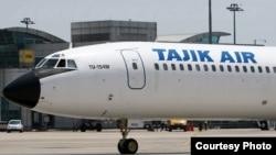 Самолет компании «Таджик Эйр».