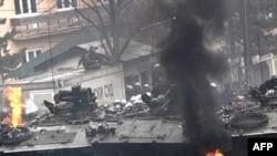 Pamje nga trazirat në Mitrovicë, 17 mars 2008