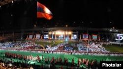 Торжественная церемония открытия 5-ых Панармянских игр на Республиканском стадионе имени Вазгена Саргсяна, 13 августа 2011 г.