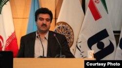 خبرگزاری ایسنا از استعفای اسماعیل للگانی، مدیرعامل بانک صادرات، خبر داده، با این حال خبرگزاری فارس میگوید که وی عزل شده است
