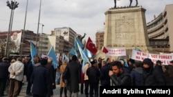 Митинг, посвященный 5-ой годовщине аннексии Крыма Россией в Анкаре. 2 марта 2019 года