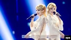 Ресейлік Анастасия мен Мария Толмачевалар Eurovision байқауында. Копегаген, 5 мамыр 2014 жыл.