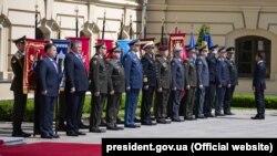 Під час церемонії представлення президенту Володимиру Зеленському командувачів видів Збройних сил України і керівників силових відомств. Київ, 20 травня 2019 року
