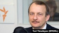 Известный экономист Сергей Алексашенко считает, что некоторые задачи российское правительство решает успешно