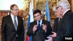 Ресей, Украина, Франция және Германия сыртқы істер министрлері: (солдан оңға қарай) Сергей Лавров, Павел Климкин, Жан-Марк Айро және Франк-Вальтер Штайнмайер келіссөзде. Париж, 3 наурыз 2016 жыл.
