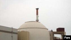 تلاش برای دستيابی به فن آوری هسته ای، هزينه های سياسی و اقتصادی فراوانی برای ايران داشته است.