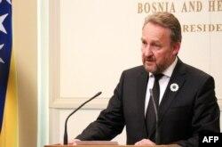 Bakir Izetbegovic, the Bosnian Muslim member of Bosnia's tripartite presidency (file photo)