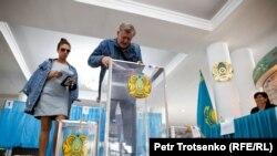 На избирательном участке № 254 в Алматы, 9 июня 2019 года.