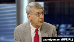 RFERL President Thomas Kent, during a guest appearance on Azatutyun TV in Yerevan, 6 September 2016