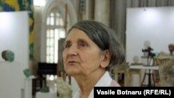Plasticiana Silvia Radu