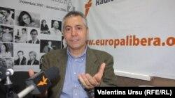 Vlad Spânu în studioul Europei Libere de la Chișinău