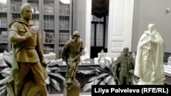 Памятники Советскому солдату предлагают устанавливать в стилистике соцреализма