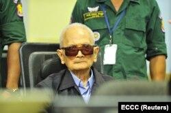Нуон Чеа в момент оглашения приговора. 16 ноября 2018 года