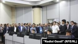 На церемонии открытия Фондовой биржи ЦА в Душанбе. Октябрь, 2015