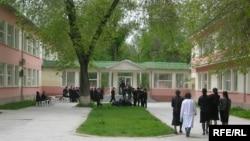 Здание лицея имени Хаджи Кемаля в Душанбе.
