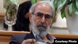 ابوالفضل قدیانی از جمله به جرم توهین به آیتالله خامنهای در زندان است