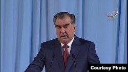 Суханронии Эмомалӣ Раҳмон дар ҷаласаи идона