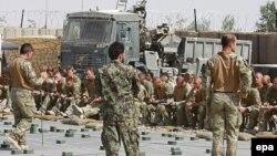 Ауғанстандағы Ұлыбритания әскерилері. Гильменд уәлаяты. Көрнекі сурет.