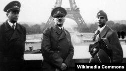 Hitler Parisdə. 1940