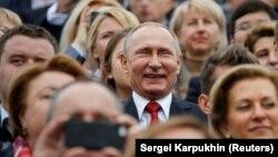 I-au trebuit lui Vladimir Putin doar câteva luni pentru a schimba istoria. Rusia a anexat Crimeea în 2014.